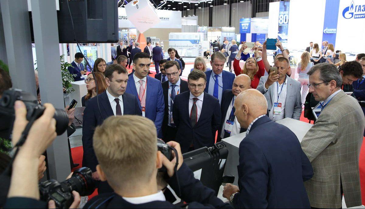 Российские энергетики обсудили достижения последних лет и представили планы по развитию ТЭК на РМЭФ