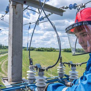 «Россети» внедрят ВИЭ-генераторы на магистральных сетях для сокращения расхода энергии