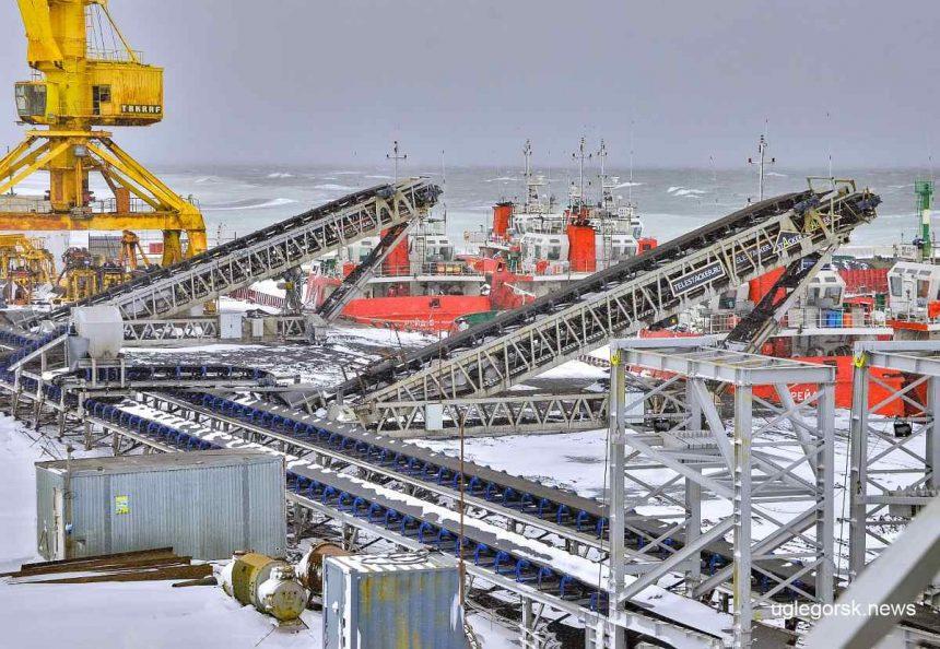 Крупнейший в России угольный конвейер длиной более 20 км начали монтировать на Сахалине