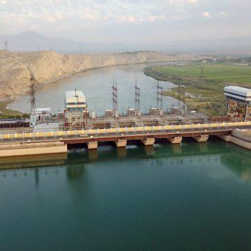 Лидер Таджикистана подчеркнул важность региональных гидроэнергопроектов