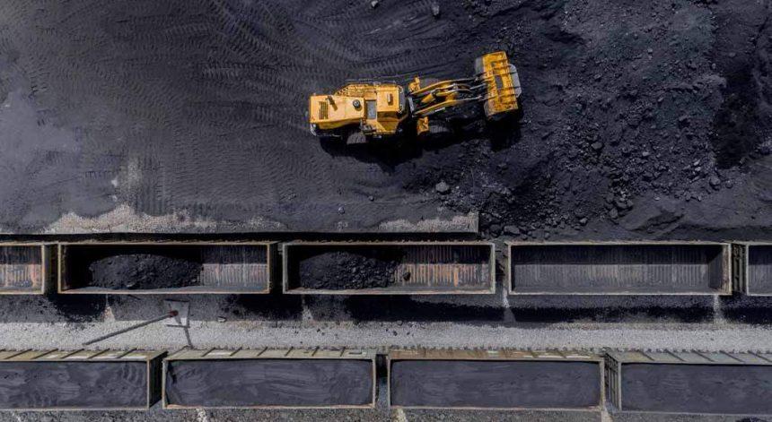 Хакасия может потерять 2,6 млрд рублей доходов в бюджет из-за проблем с вывозом угля