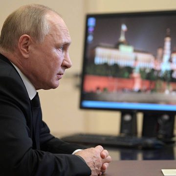 Путин отметил вклад атомной промышленности в укрепление ядерного щита России